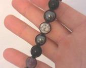 bracelet-shamballa-howlite-hematite-onyx-15050875-img0903a-jpg-400019-cbc81_minia